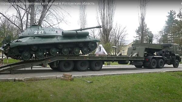 Как танк-постамент с именем Сталина вернули к жизни - видео - Sputnik Беларусь