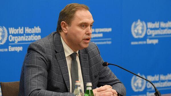 Министр здравоохранения Беларуси Владимир Караник на брифинге миссии ВОЗ - Sputnik Беларусь