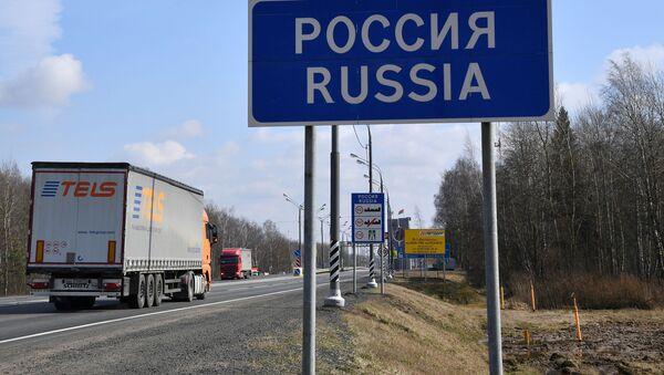 Большегрузы пересекают границу Беларуси и России без проблем - Sputnik Беларусь