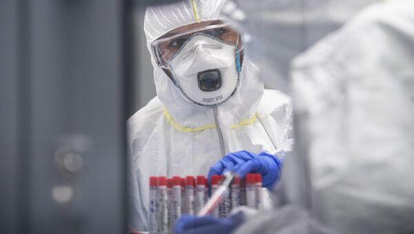Тестирование на коронавирусную инфекцию, архивное фото - Sputnik Беларусь