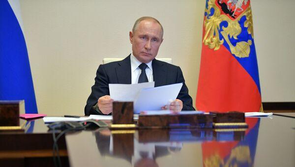 Пуцін правёў нараду па рэалізацыі прынятых мер барацьбы з COVID - Sputnik Беларусь