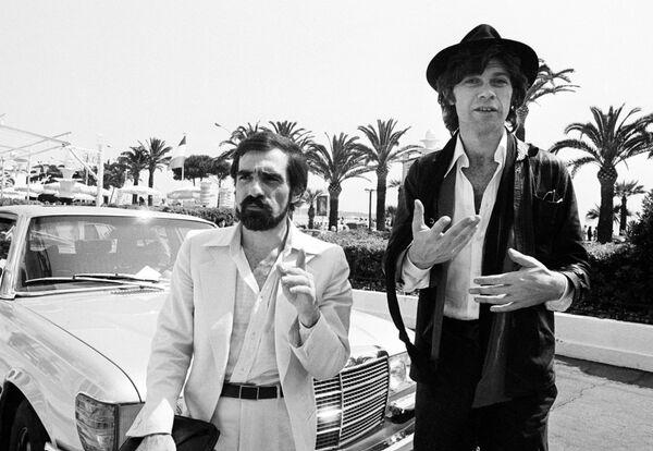 А вот и сам Скорсезе. В 1978-м он и его друг гитарист группы The Band Робби Робертсон (справа) представляли фильм о группе. - Sputnik Беларусь