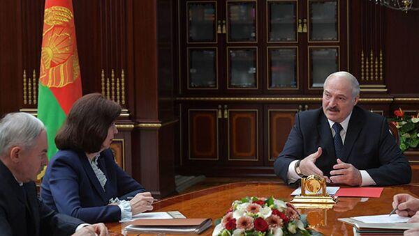 Лукашенко: трудно будет мне включиться в предвыборный процесс - Sputnik Беларусь