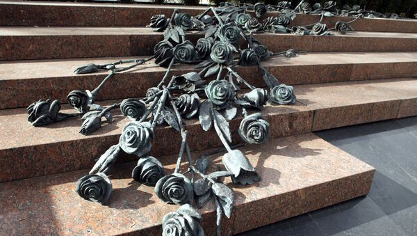 Памятник погибшим на станции метро Немига, автор - Геннадий Буралкин - Sputnik Беларусь