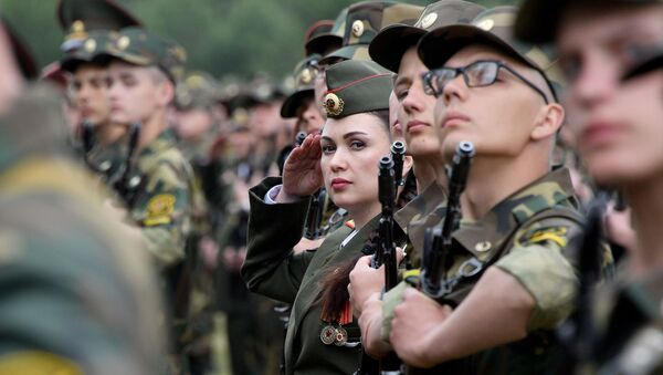 Присяга в легендарных Печах прошла без родных и близких солдат - Sputnik Беларусь