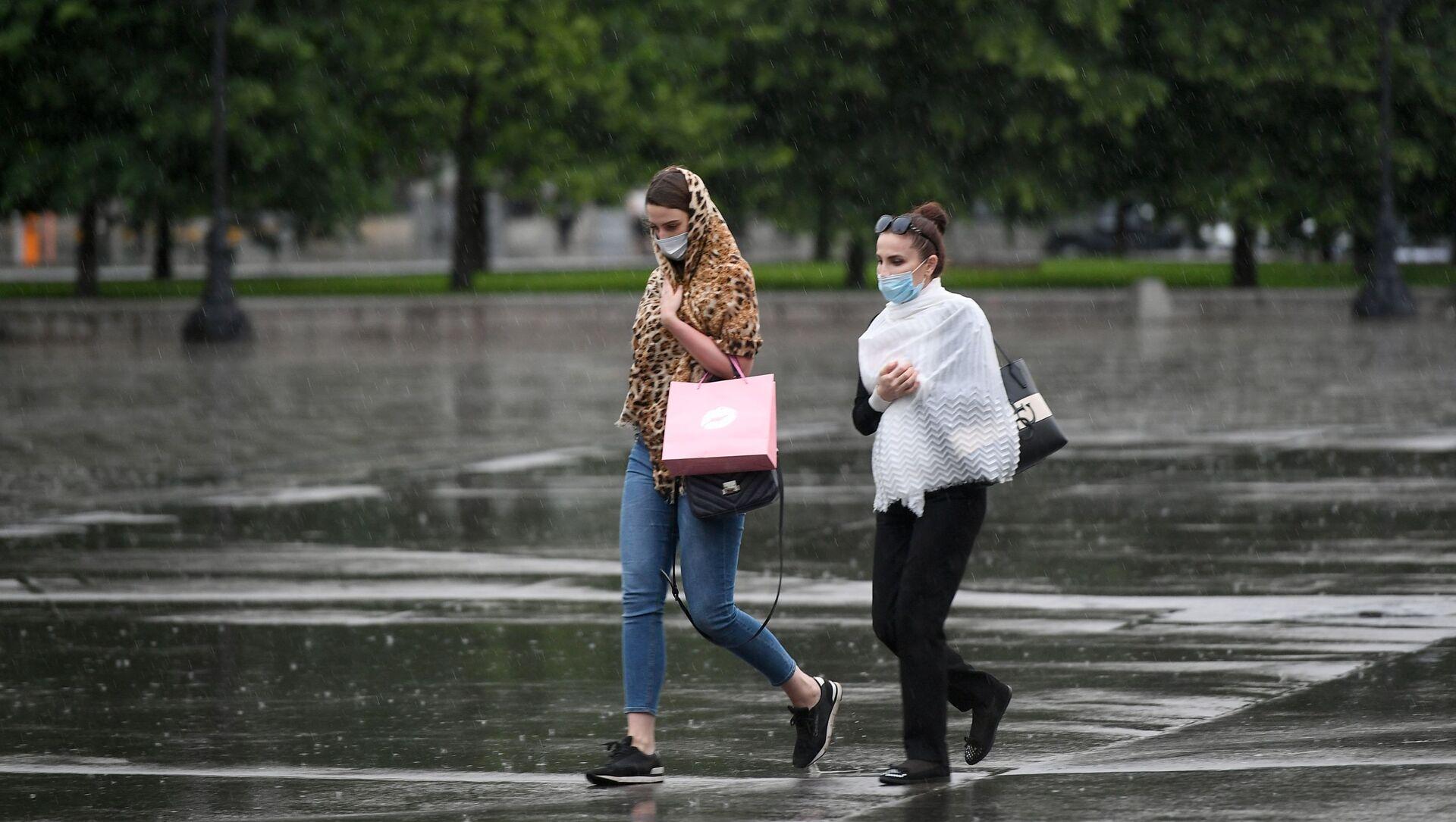 Во время дождя - Sputnik Беларусь, 1920, 27.06.2021