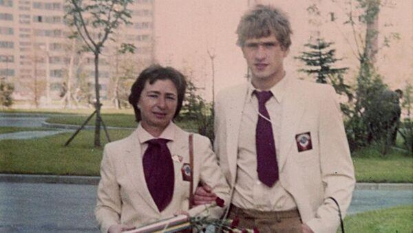 Тренер Раиса Баранова и ее воспитанник Владимир Алейник на Олимпиаде-80 в Москве - Sputnik Беларусь