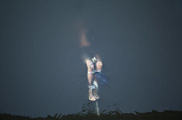 Работа британского фотографа Линзи Биллинг Похороненная справедливость, вошедшая в шорт-лист конкурса имени Андрея Стенина в категории Главные новости - Sputnik Беларусь