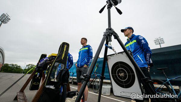 Тренеры мужской сборной Беларуси по биатлону в Раубичах - Sputnik Беларусь