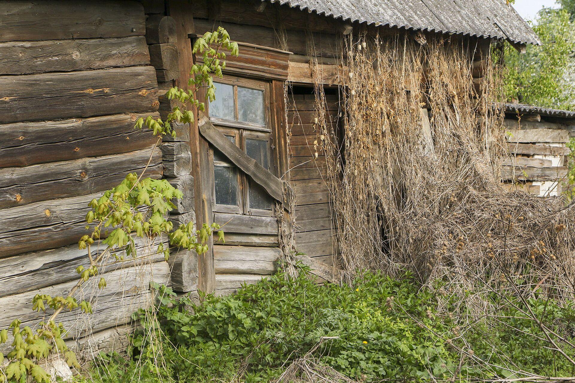 Заброшенный дом в деревне Погост - Sputnik Беларусь, 1920, 07.09.2021