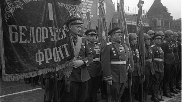 Воины 1 Белорусского фронта на Параде Победы на Красной площади 24 июня 1945 года - Sputnik Беларусь