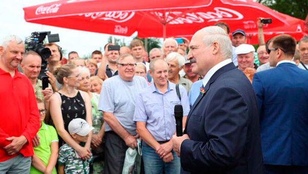 Лукашэнка: мы ў шпіталях вучым людзей дыхаць - Sputnik Беларусь