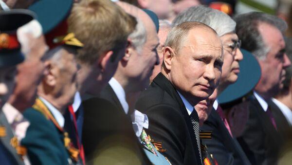 Президент РФ В. Путин принял участие в военном параде в ознаменование 75-летия Победы в Великой Отечественной войне - Sputnik Беларусь