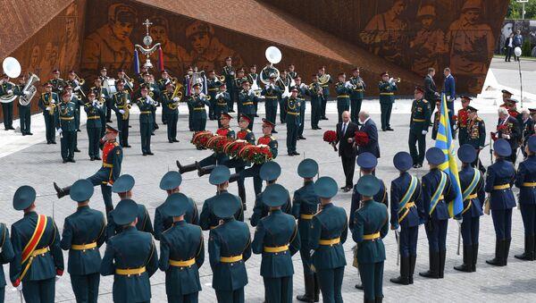 Пуцін і Лукашэнка адкрылі мемарыял Савецкаму салдату пада Ржэвам - Sputnik Беларусь