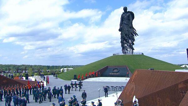 Пуцін і Лукашэнка адкрылі Ржэўскі мемарыял Савецкаму салдату - відэа - Sputnik Беларусь