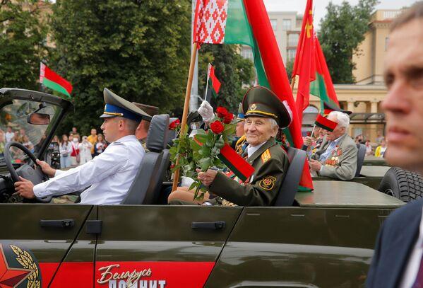 Героями праздника, естественно, были ветераны - Sputnik Беларусь