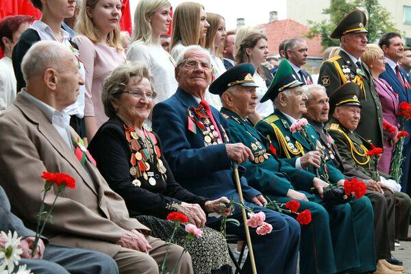 Почетными гостями праздника стали жители Гродно, которые помнят ужасы войны - Sputnik Беларусь